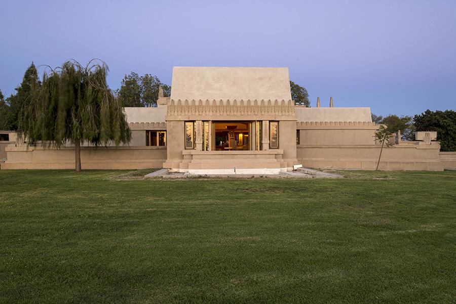 Frank Lloyd Wright, Hollyhock House