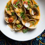 tallulas_littleneck-clams_photo-credit-rick-poon