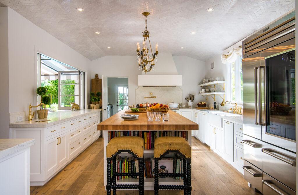Spanish Colonial estate Laughlin Park kitchen
