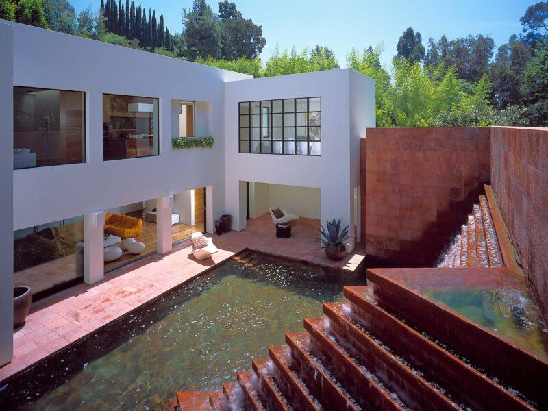 Luis Barragan Campbell Divertimento Fountain 637