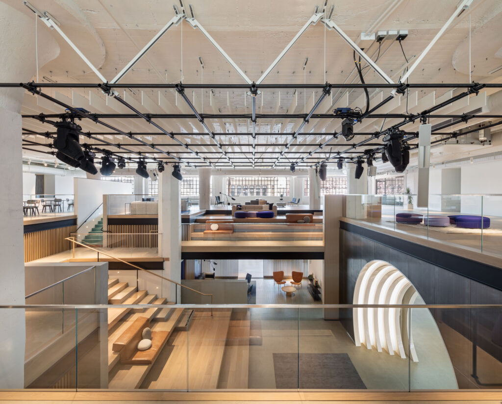 In Downtown Los Angeles, the substantial new Warner Music Group headquarters features inspiring, colorful spaces nestled in an old Arts District factory.