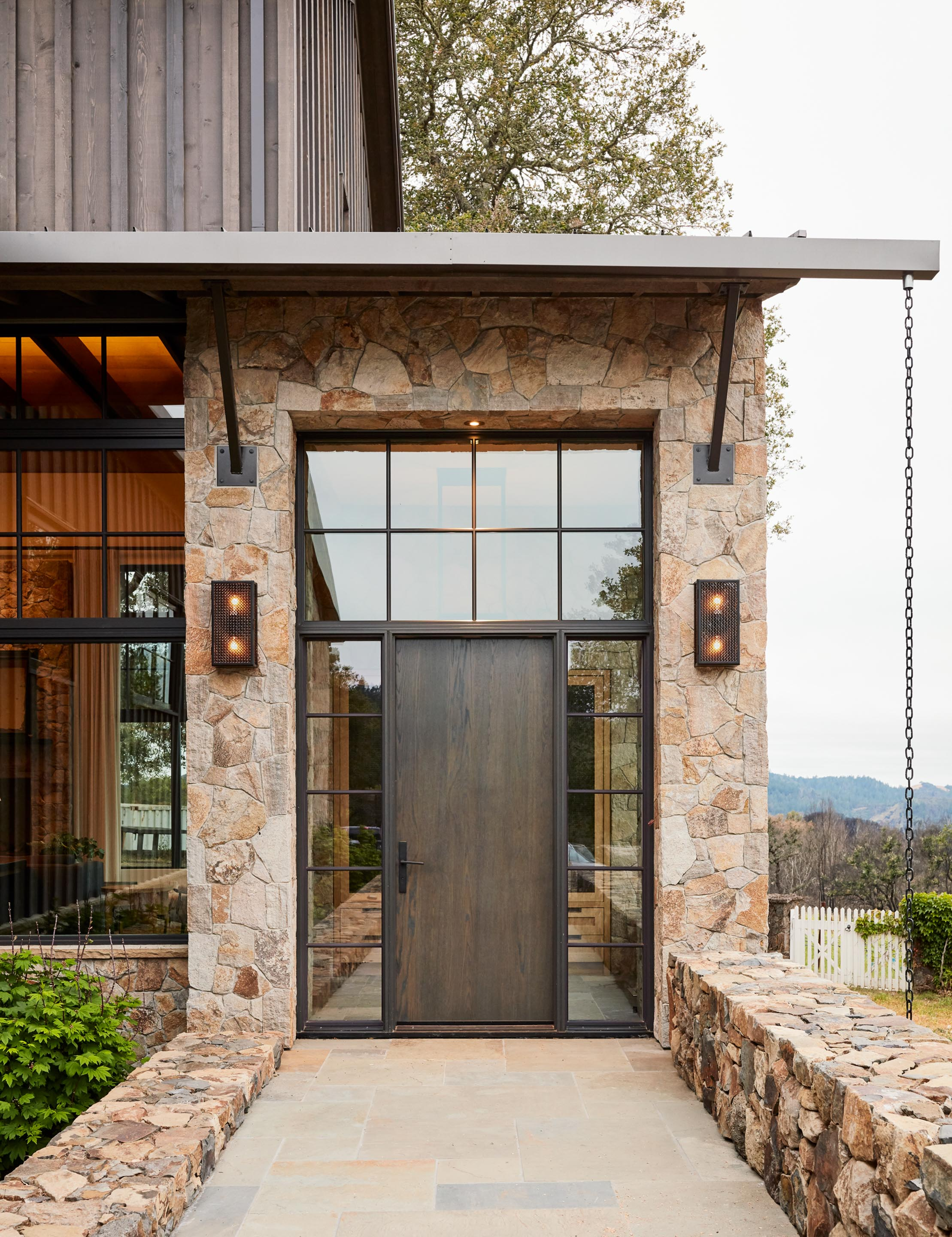Jennifer Robin Interiors: Calistoga House Marries Rustic And Modern