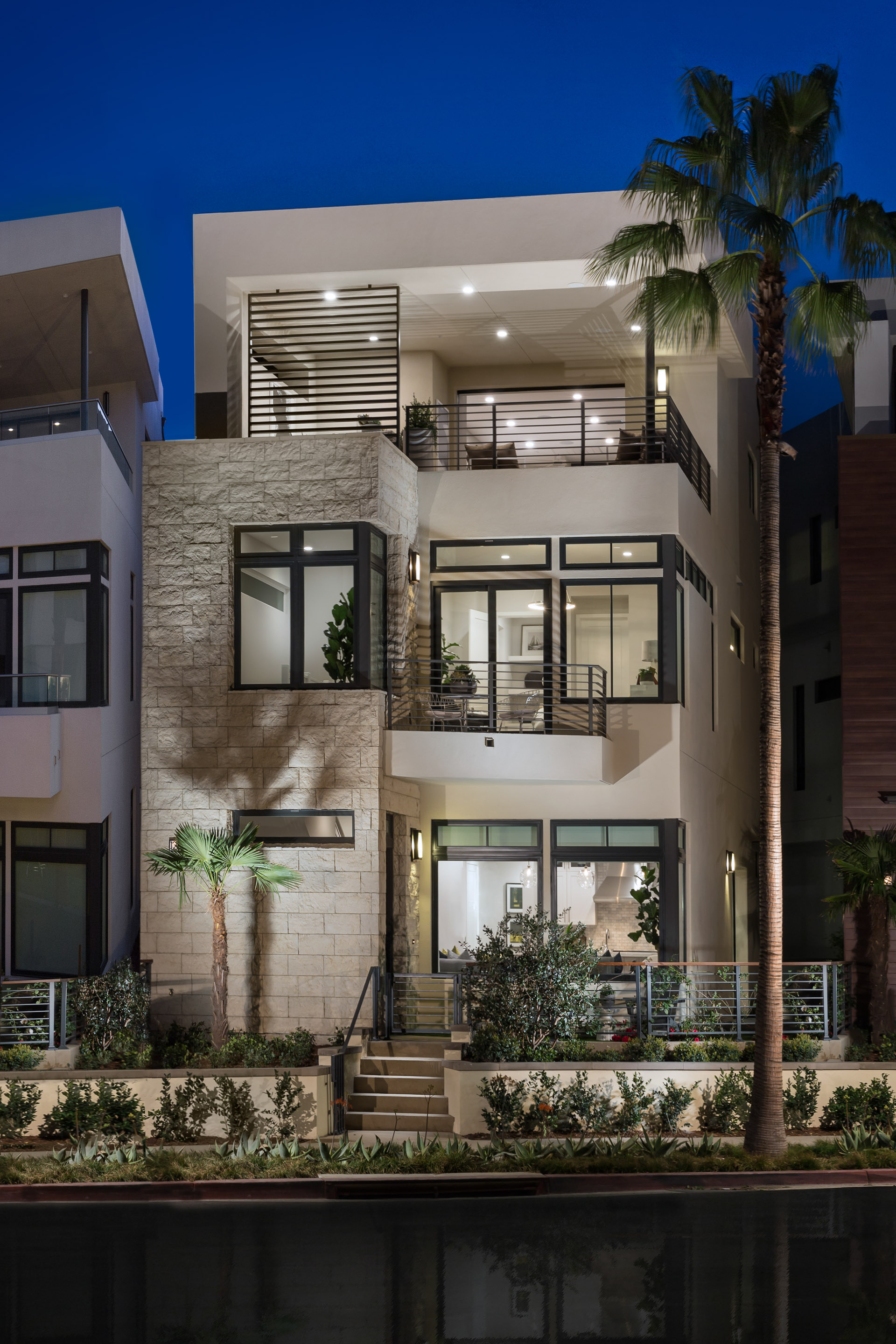 encore at playa vista - exterior shot
