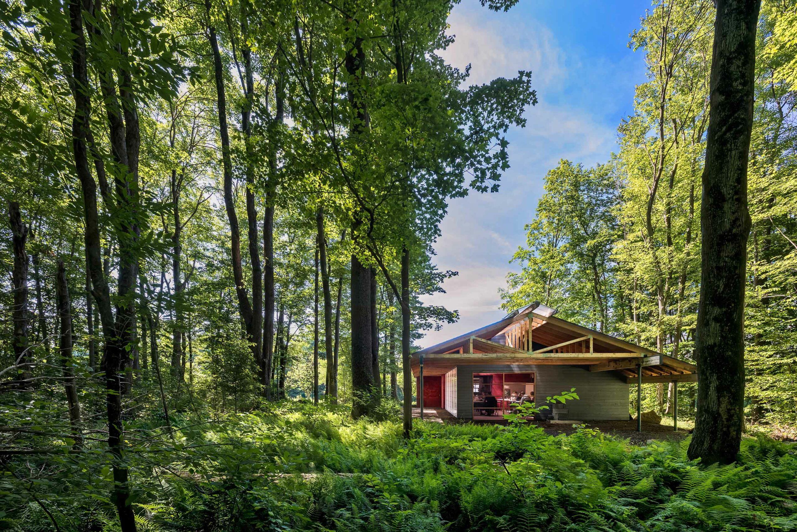 Picture of: Frank Lloyd Wright S Legacy Evolved With High Meadow At Fallingwater Digs Net