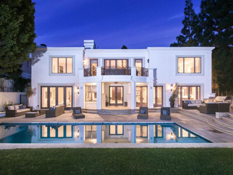Warm & Welcoming Residence In Beverly Hills Joyce Rey