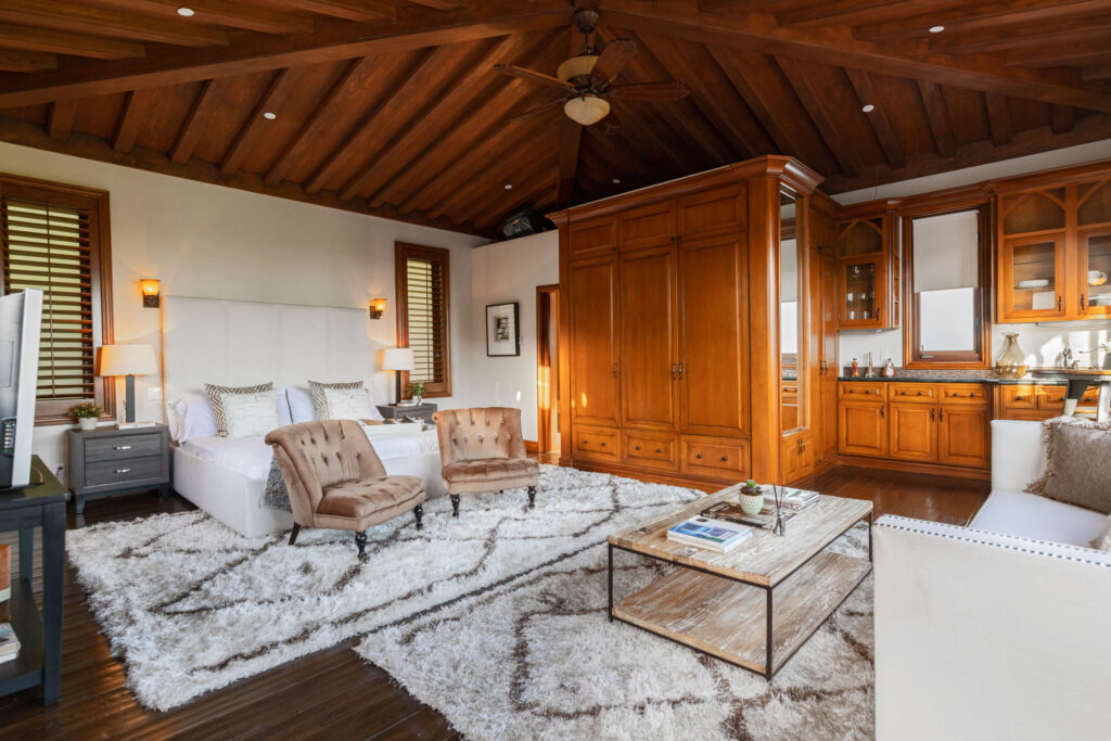 Spanish Colonial Revival home in Beverly Hills