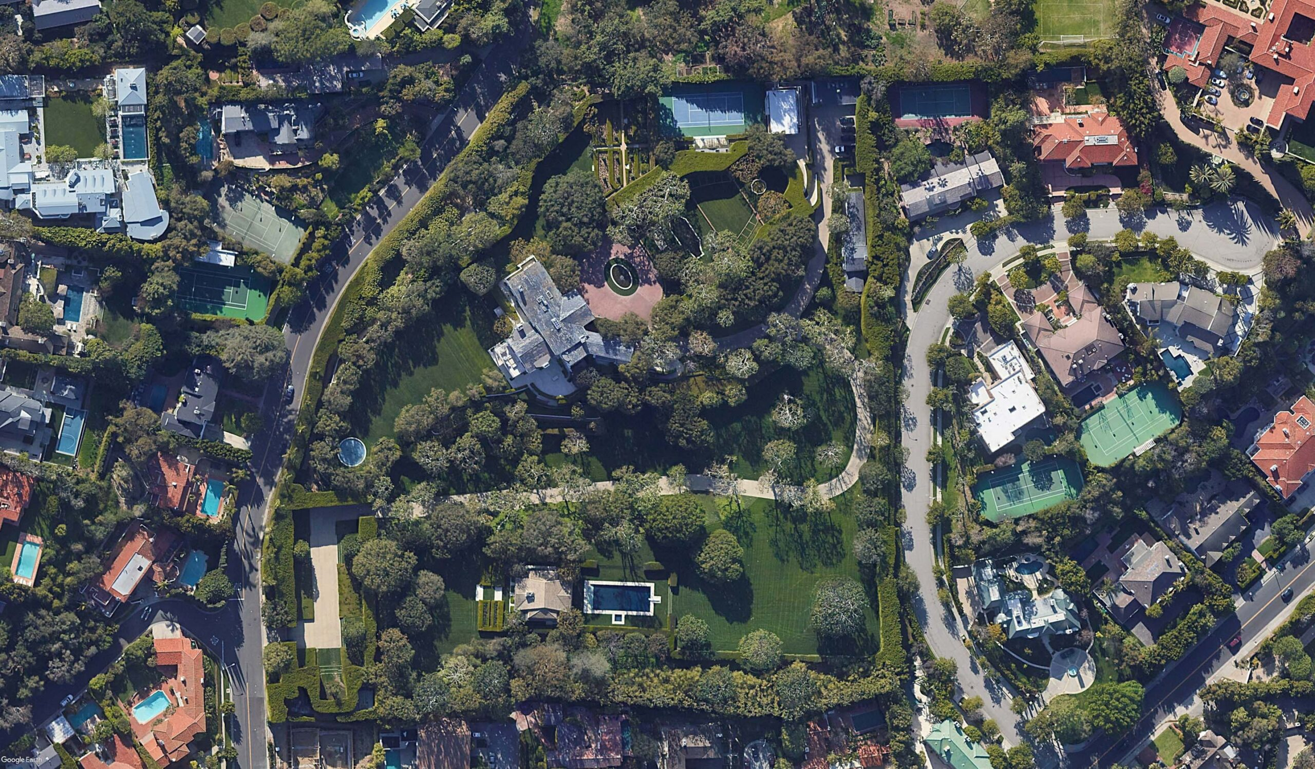 Jeff Bezos buys Beverly Hills Home_aerial