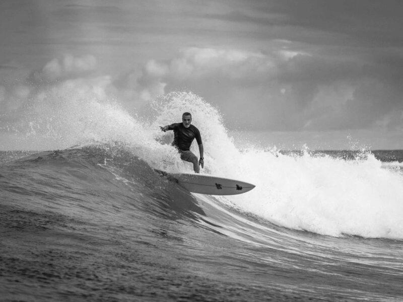 Alex Abad, Surfing