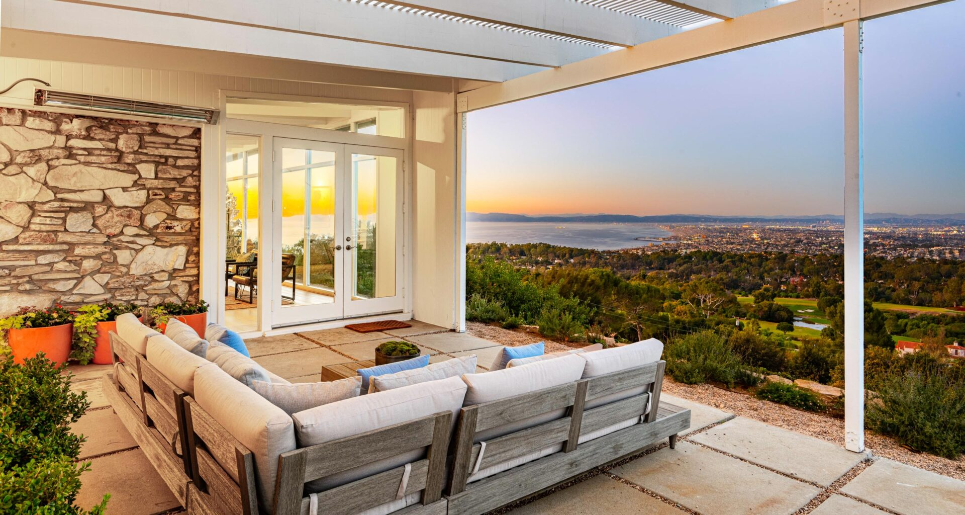 3330 via Campesina, Rancho Palos Verdes, 90275, home for sale, real estate, queen's necklace, Chris Adlam, Vista Sotheby's, Vista Sotheby's International Realty